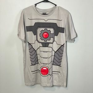 NWT justice League T-shirt size large hot topic